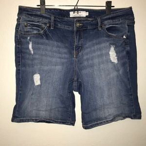 torrid Distressed Bermuda Shorts Women's 18